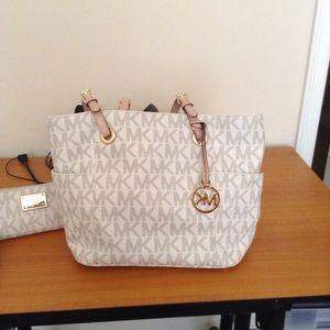 MKors purse